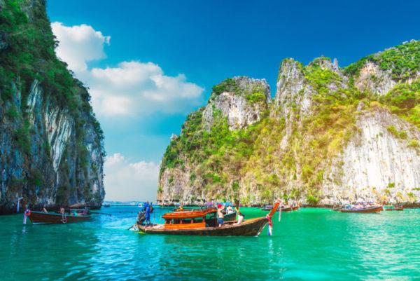 แนะนำ หาดสวย ๆ จังหวัดภูเก็ต  สถานที่ท่องเที่ยวยอดนิยม ในหมู่นักท่องเที่ยว