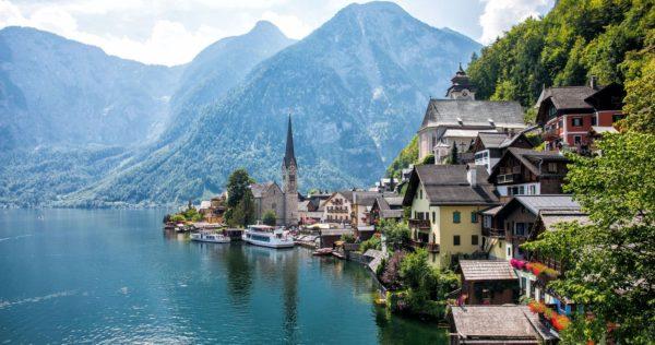 Hallstatt พาเที่ยวออสเตรีย ทะเลสาบที่สวยสุดติดอันดับโลก
