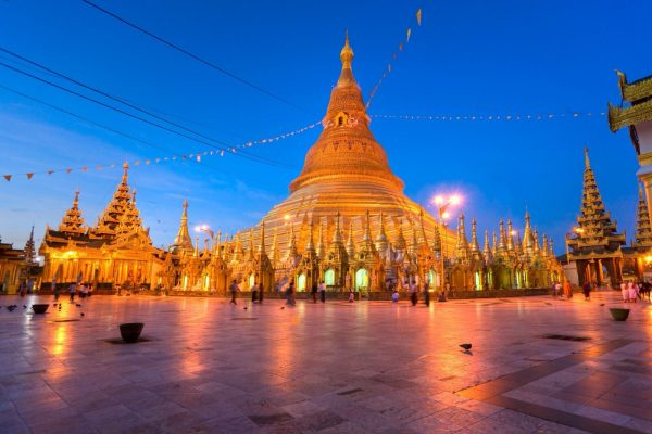 เจดีย์ชเวดากอง สถานที่ศักดิ์สิทธิ์ของประเทศพม่า เป็นเมืองที่ต้องได้ไปสักครั้ง