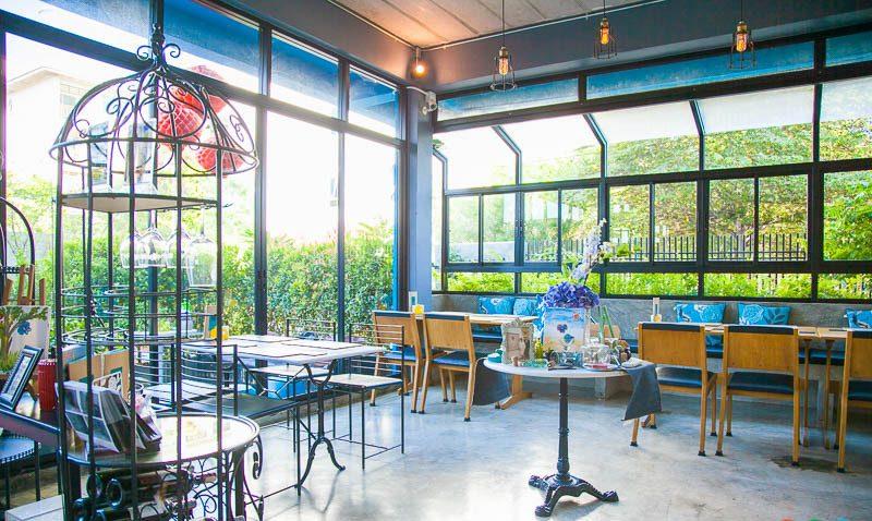 คาเฟ่ย่านตลิ่งชัน Mangkud Cafe