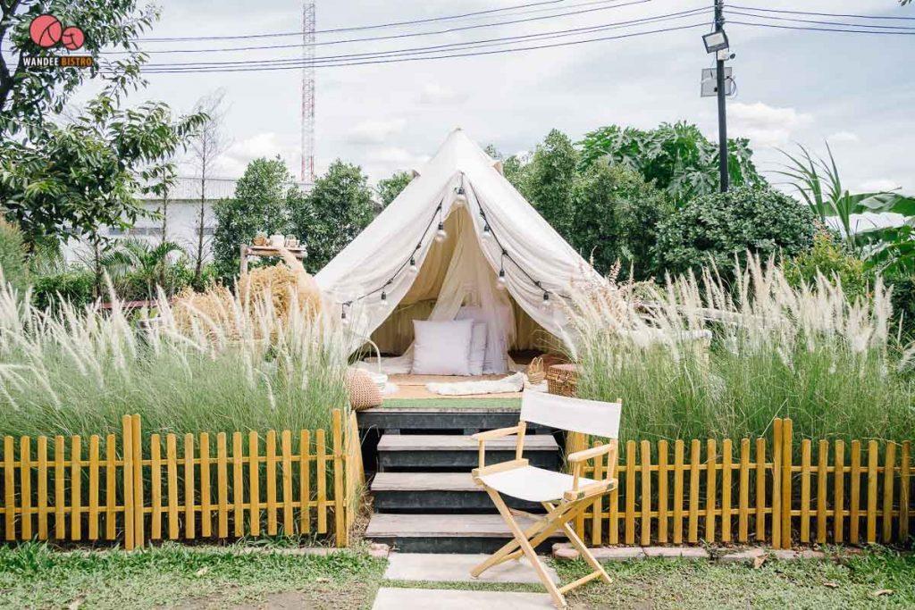 คาเฟ่ในสวน กรุงเทพ  Bootcamp Cafe