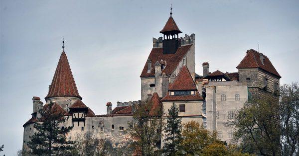 Bran Castle ปราสาทผีดูดเลือด วิวหลอนน่าเที่ยวแห่งโรมาเนีย